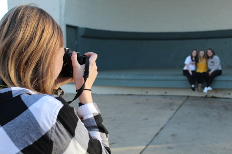 Keeley Meier takes a photo of Augustana freshmen.